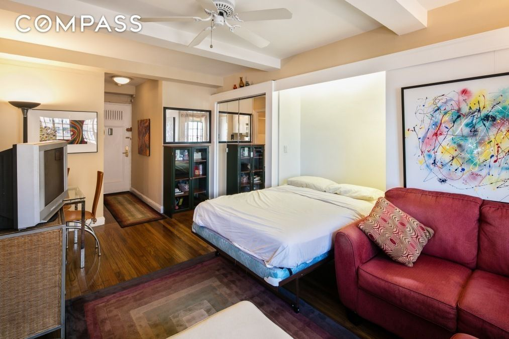 40 Tiny But Cute NYC Studios For 340040 Or Less Curbed NY Cool One Bedroom Apartments In Manhattan