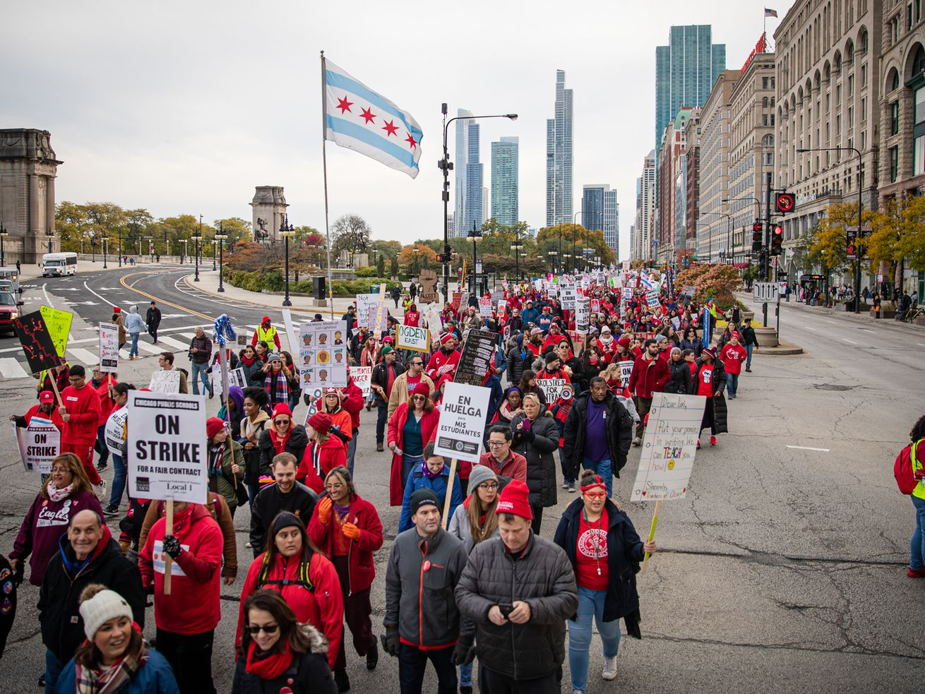 Members of the Chicago Teachers Union and SEIU Local 73 rallying on South Michigan Avenue during the teachers' two-week strike last fall.