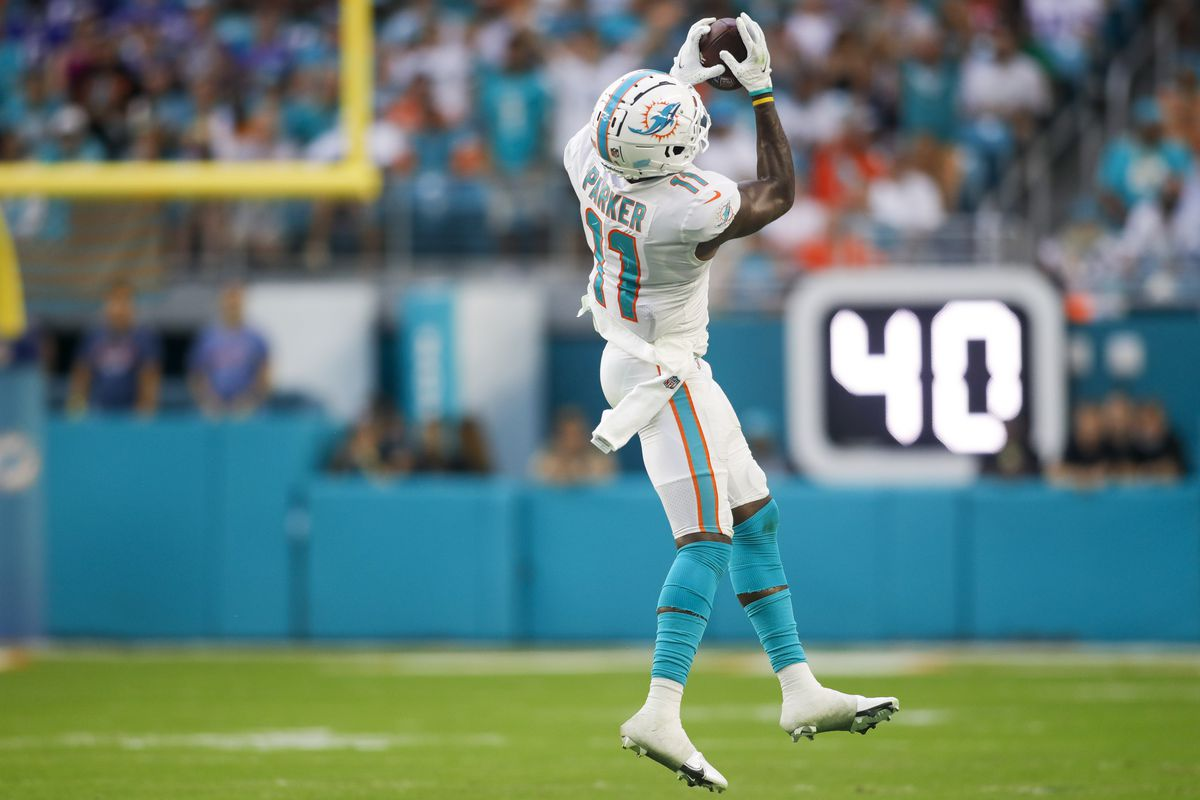 Miami Dolphins wide receiver DeVante Parker (11) catches the football during the second quarter of the game against the Buffalo Bills at Hard Rock Stadium.