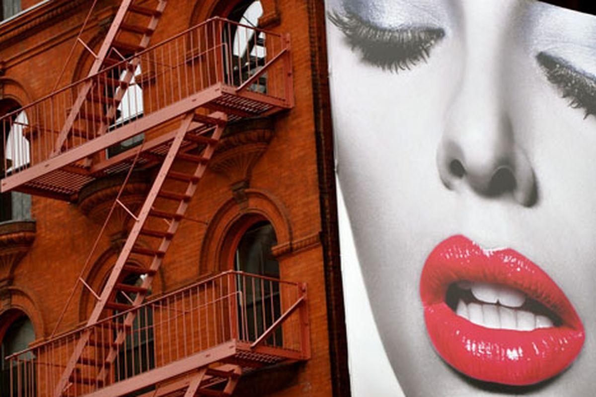 "Image via  <a href=""http://www.flickr.com/photos/essgee/5057516968/in/pool-312691@N20/"">EssG</a>/Racked Flickr Pool"