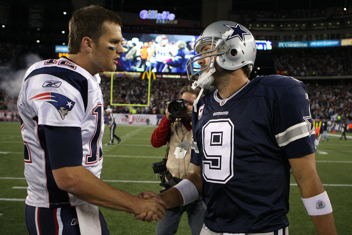 FOXBORO, MA - OCTOBER 16:    Tom Brady #12 of the New England Patriots shakes hands with Tony Romo #9 of the Dallas Cowboys at Gillette Stadium on October 16, 2011 in Foxboro, Massachusetts. The Patriots won 20-16. (Photo by Jim Rogash/Getty Images)