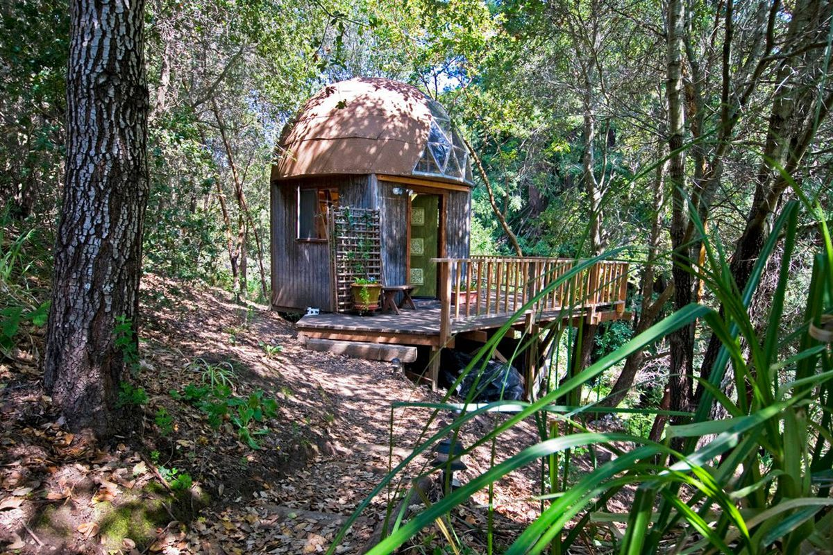 The most popular Airbnb in the world is this mushroom-shaped dome - Vox
