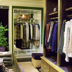 """Tory Burch's flagship at 68th <a href=""""http://ny.racked.com/archives/2011/09/12/get_ready_for_apartment_envy_at_tory_burchs_madison_avenue_flagship.php"""" rel=""""nofollow"""">made us</a> green with apartment envy back in September."""