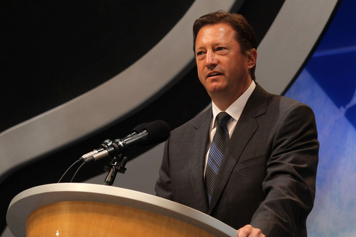 LOS ANGELES, CA - JUNE 25:  Edmonton Oilers' General Manager Steve Tambellini speaks during the 2010 NHL Entry Draft at Staples Center on June 25, 2010 in Los Angeles, California.  (Photo by Bruce Bennett/Getty Images)