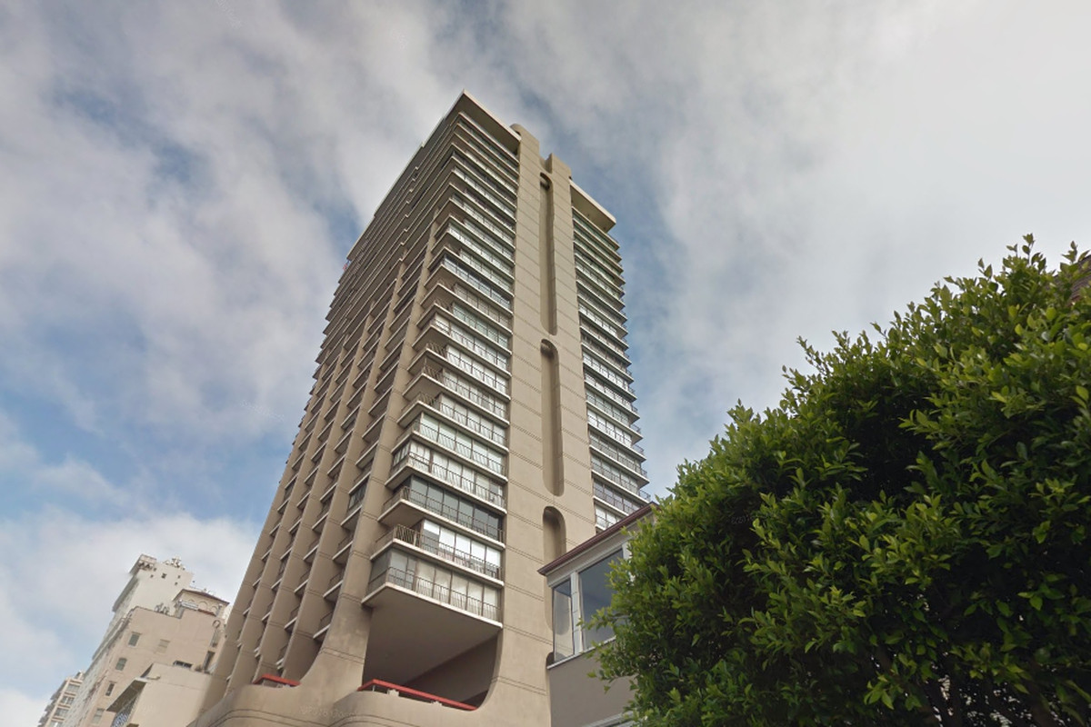 Midcentury high-rise the Summit in Russian Hill.