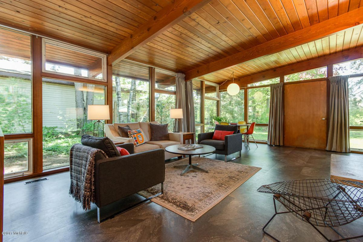 Midcentury Home With Walls Of Glass Asks Just 159k Curbed