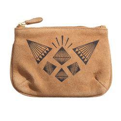 "H&M suede change purse, <a href=""http://www.hm.com/us/product/53370?article=53370-A"">$14.95</a>"