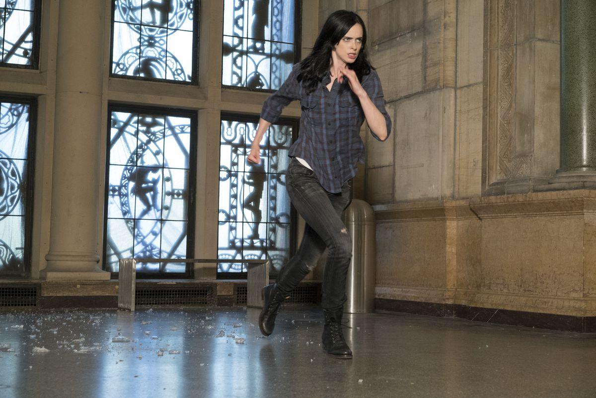 Krysten Ritter as Jessica Jones in season 1 of Jessica Jones.