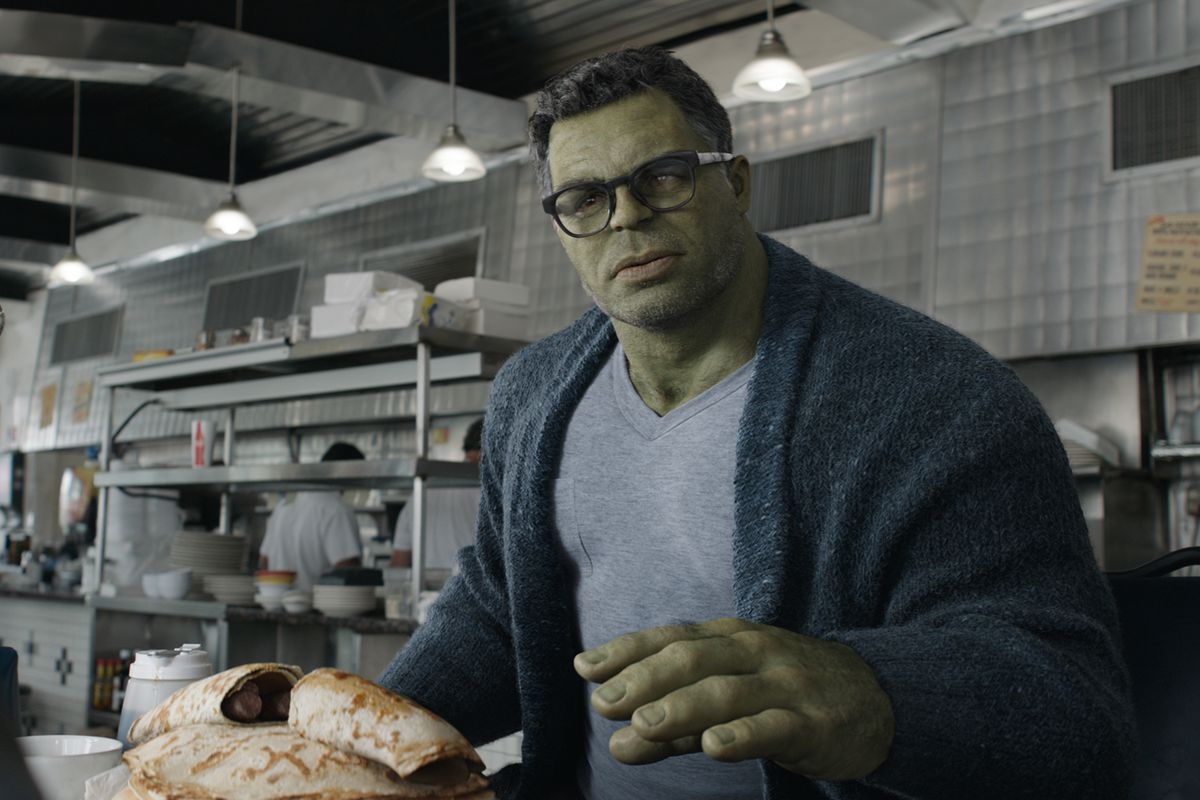 The Hulk (Mark Ruffalo), sporting glasses and a fetching sweater, in Avengers: Endgame.