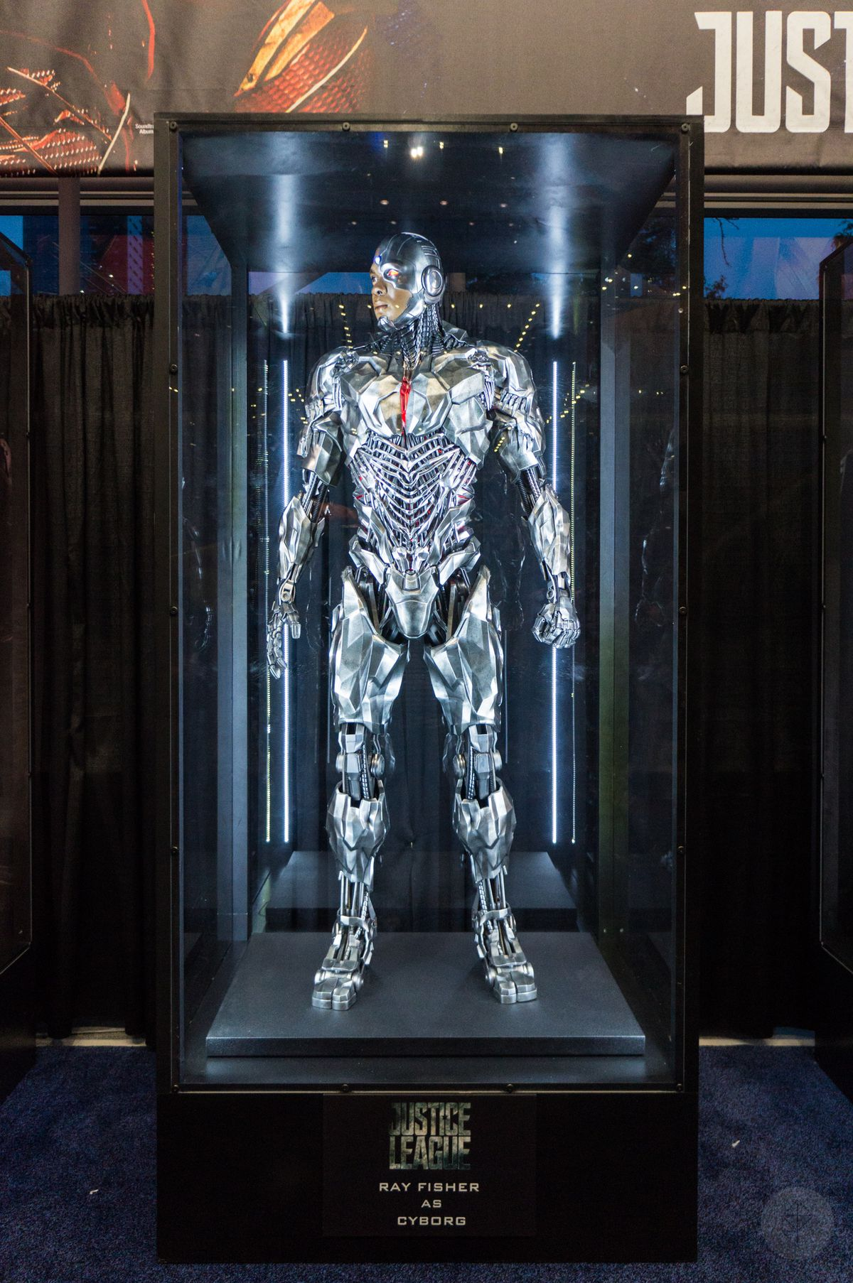 Cyborg costume from Justice League movie in glass case at NYCC 2017