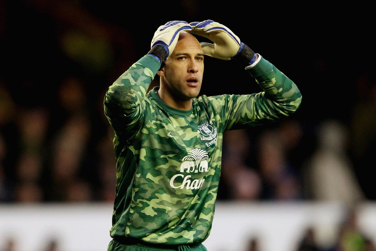 LIVERPOOL, ENGLAND - JANUARY 21:  Tim Howard of Everton looks dejected during the Barclays Premier League match between Everton and Blackburn Rovers at Goodison Park on January 21, 2012 in Liverpool, England.  (Photo by Scott Heavey/Getty Images)