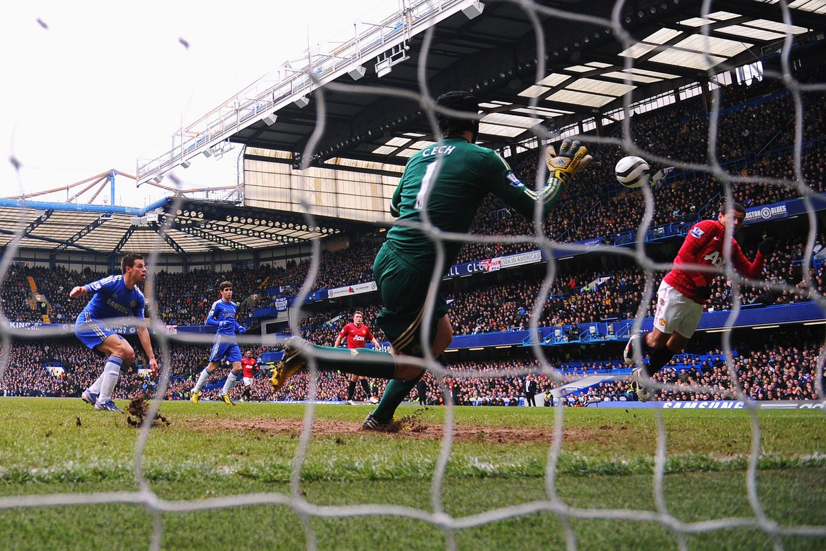 One of the saves of the season from Chelsea's Peter Cech