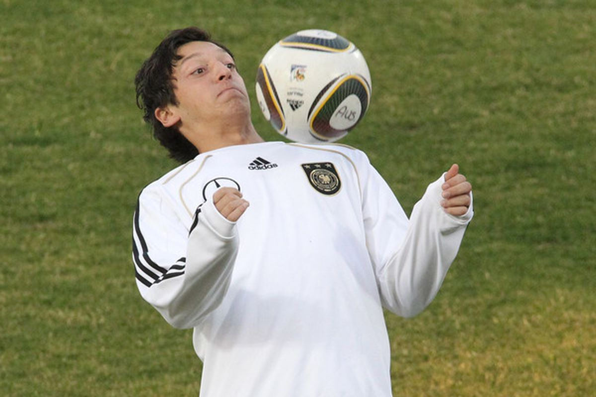 PRETORIA, SOUTH AFRICA - JUNE 25:  Mesut Oezil of Germany controls the ball during training session at Super stadium on June 25, 2010 in Pretoria, South Africa.  (Photo by Joern Pollex/Getty Images)