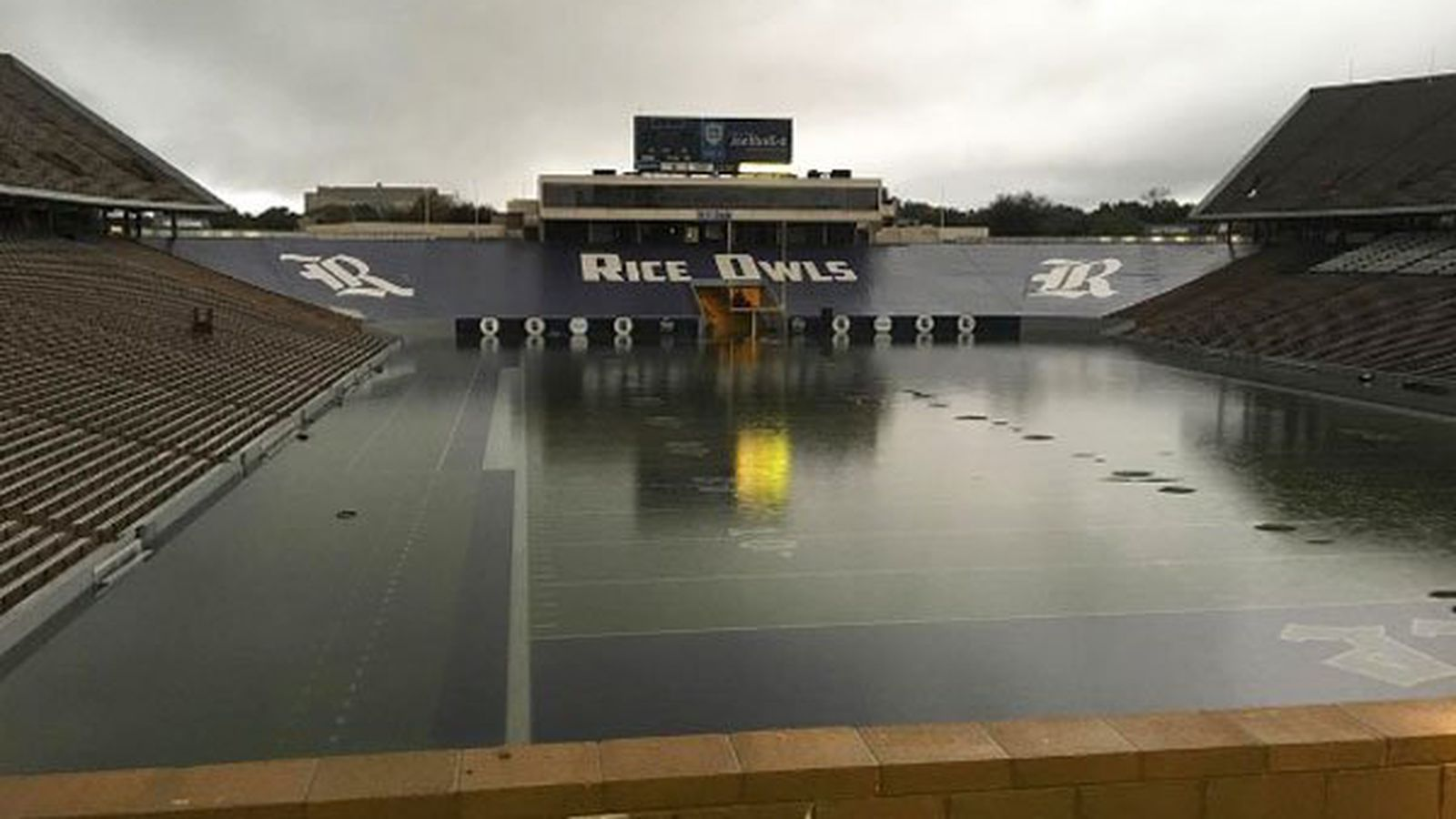 Rice S Football Field Is Totally Underwater Sbnation Com