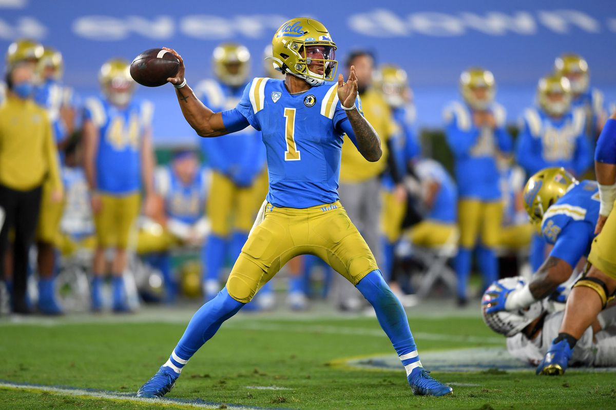UCLA Bruins quarterback Dorian Thompson-Robinson sets to throws a pass in the first half of the game against the Stanford Cardinal at the Rose Bowl.
