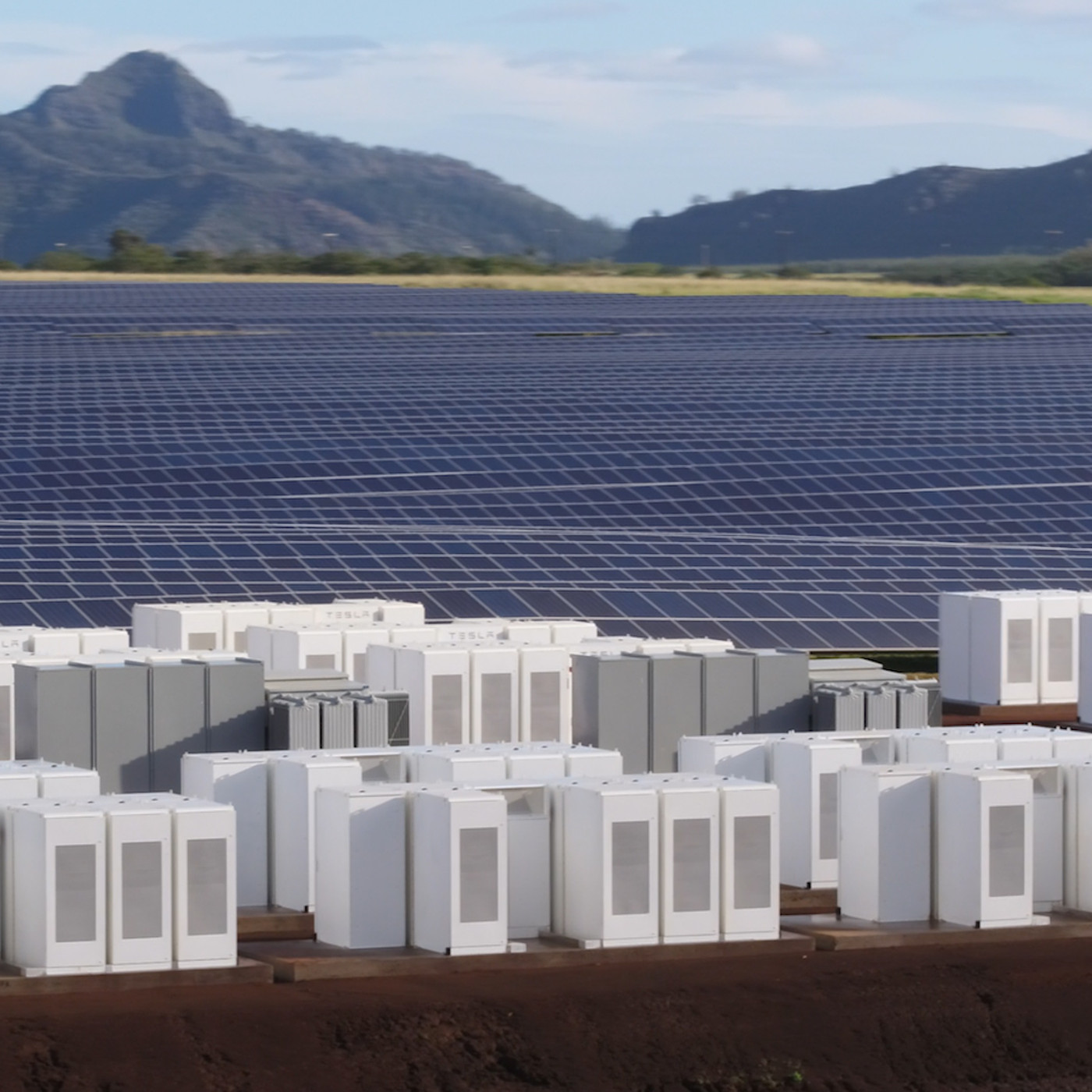 Tesla built a huge solar energy plant on the island of Kauai - The Verge