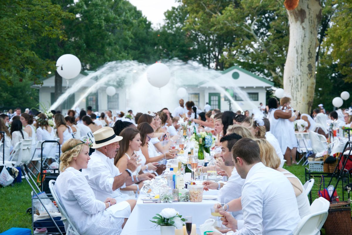 Giant Pop-Up Party Diner en Blanc Adds Vegan Options This Year ... 094bfbd5a
