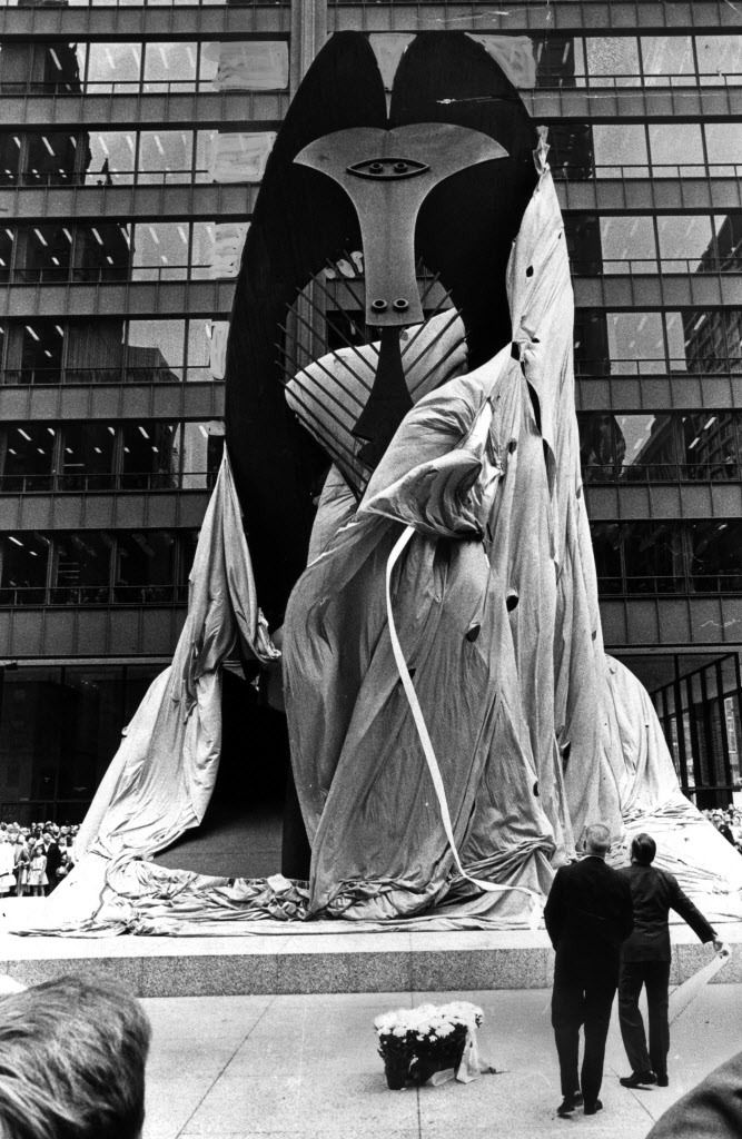 Mayor Richard J. Daley (far right), with architect William E. Hartmann, pulls off the wrappings on the new Picasso for all to see. | Sun-Times files