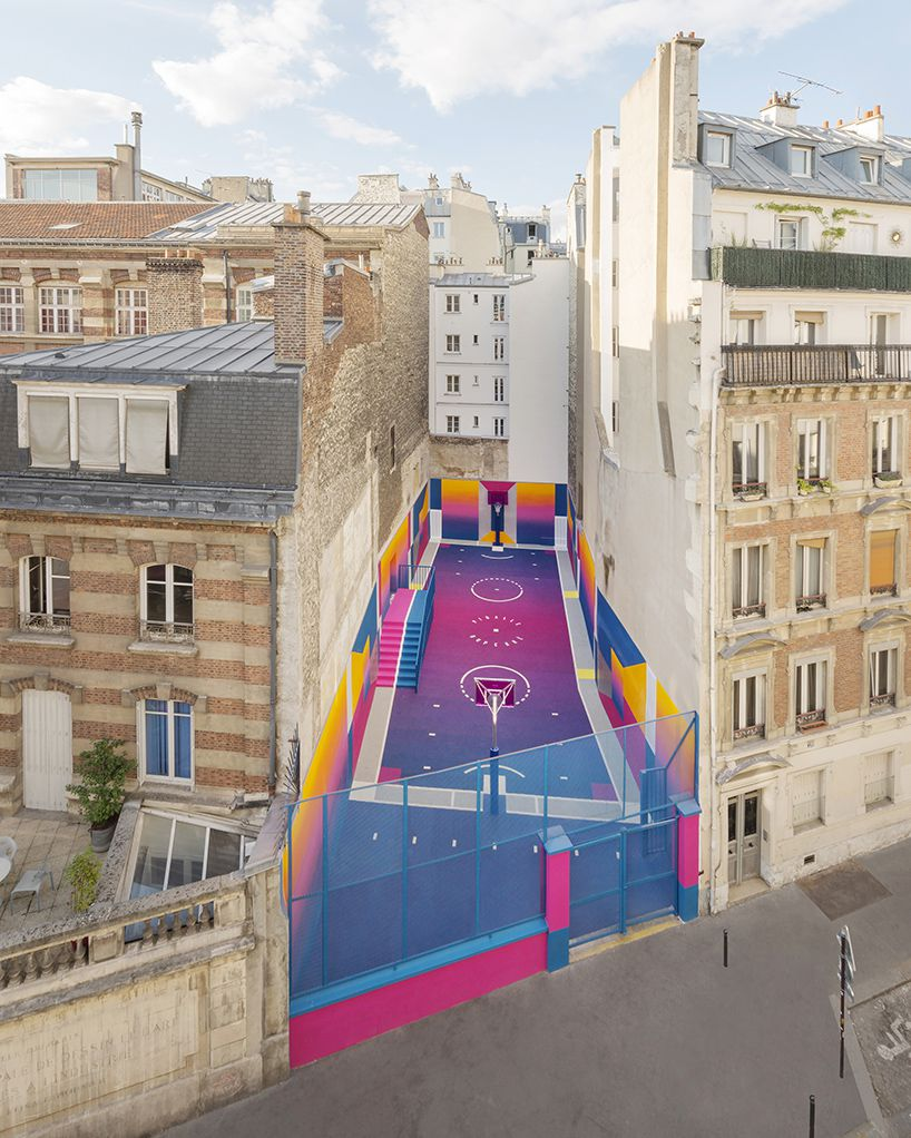 basketball court in Paris painted in gradients