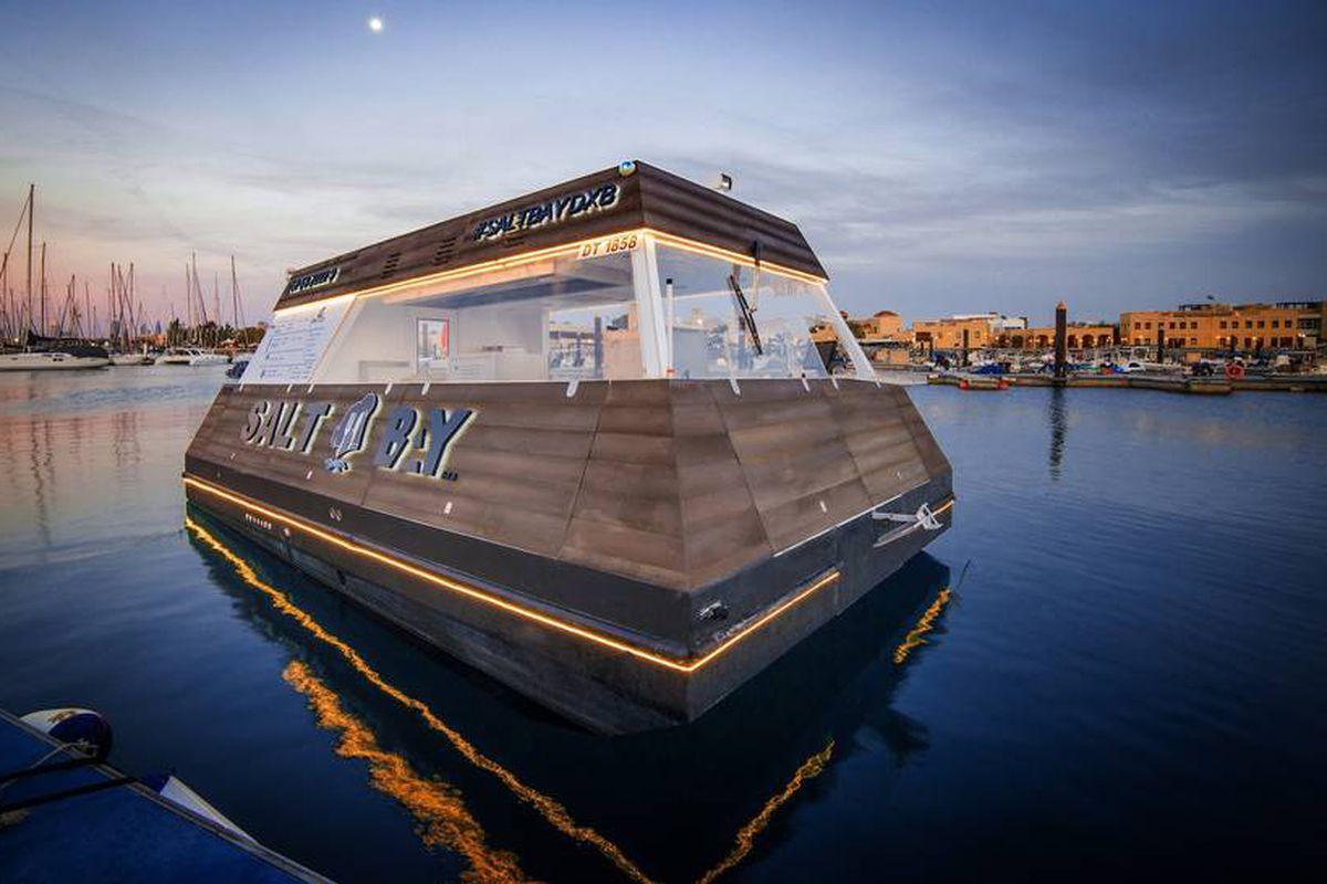 Aqua Pod, floating food truck