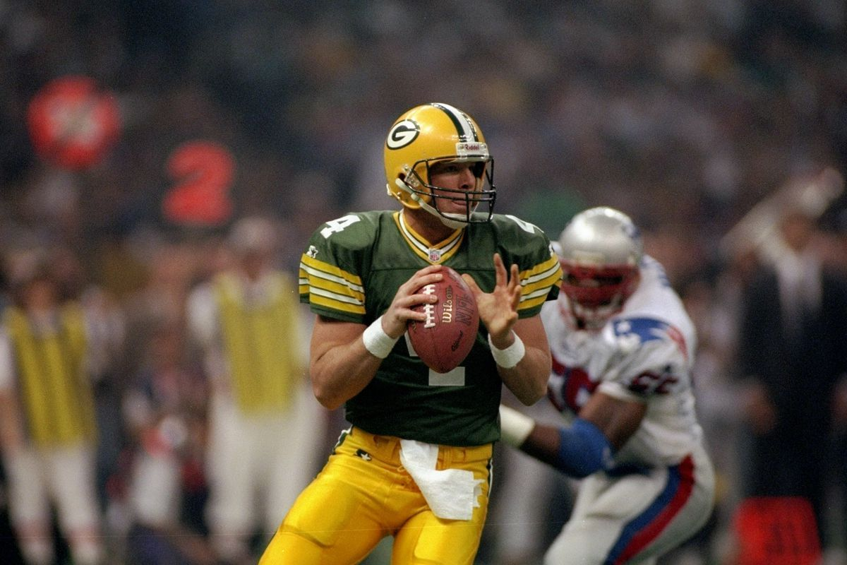 purchase cheap 18ba3 e32d0 Today in Packers history: Favre signs richest NFL contract ...
