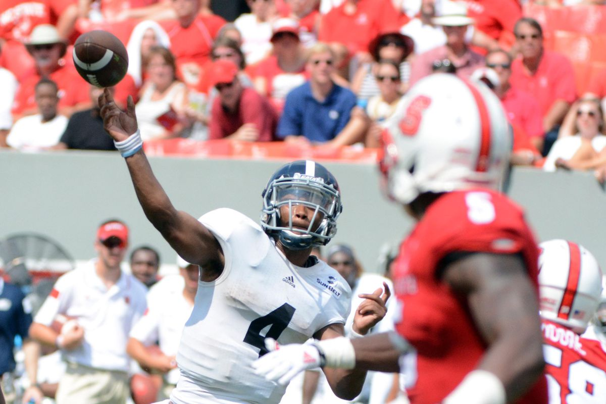 Kevin Ellison shows that - Florida game last season to the contrary - he CAN throw the football