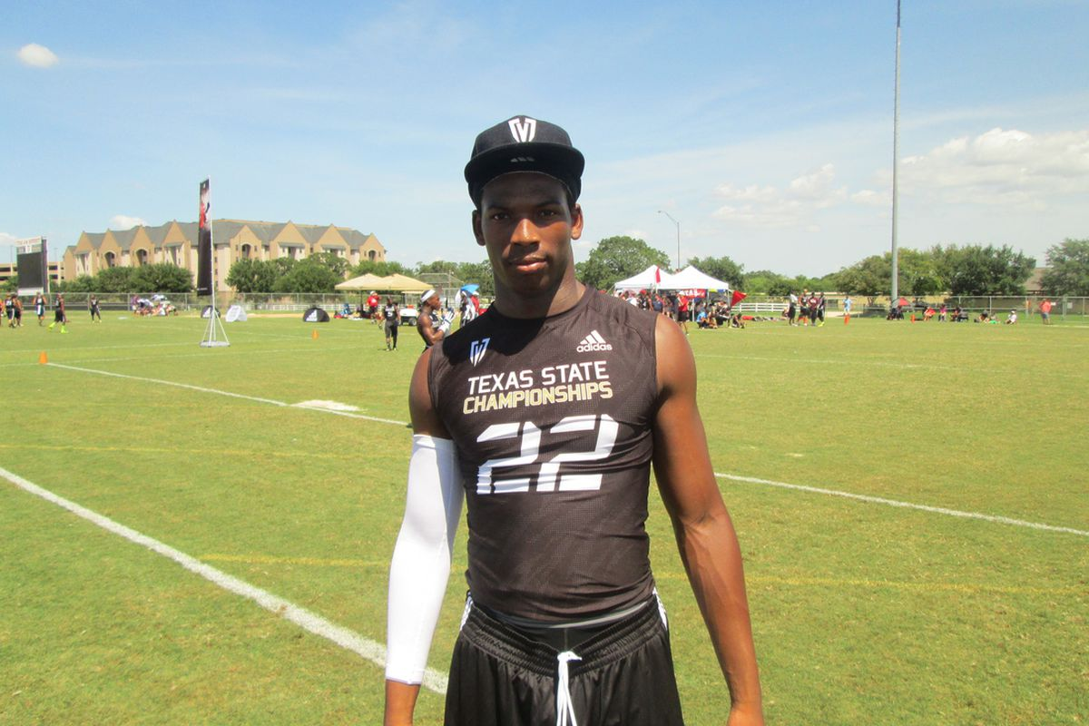 Texas commit Deoundrei Davis was a standout in coverage at the Fox Sports Southwest 7-o-7 State Championship (Photo by the author).