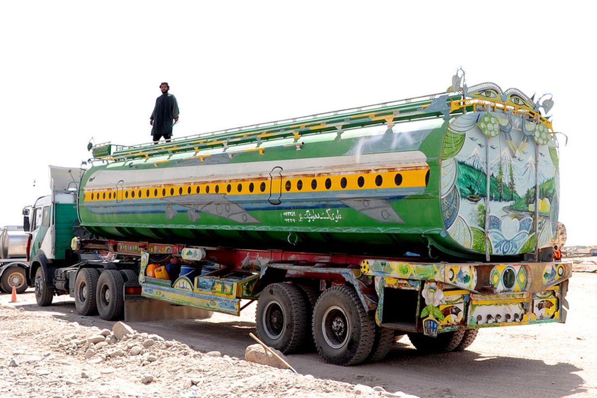 Truck in Afghanistan (Flickr)