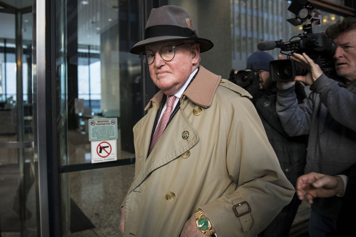 Ald. Ed Burke (14th) walks into the Dirksen Federal Courthouse, Thursday afternoon, Jan. 3, 2019.
