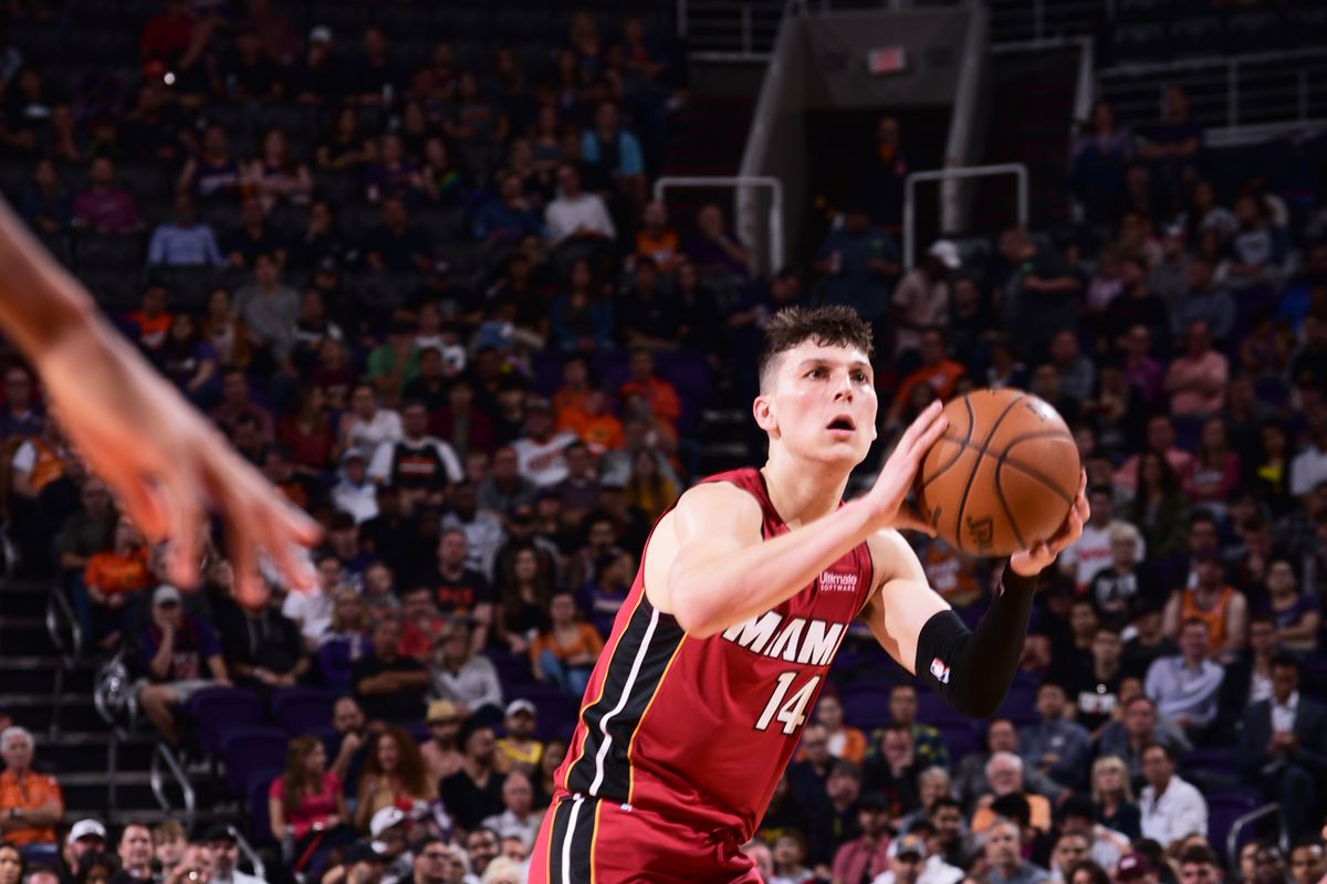 Gamethread Miami Heat 6 2 Face Los Angeles Lakers 6 1 To End Road Trip Hot Hot Hoops