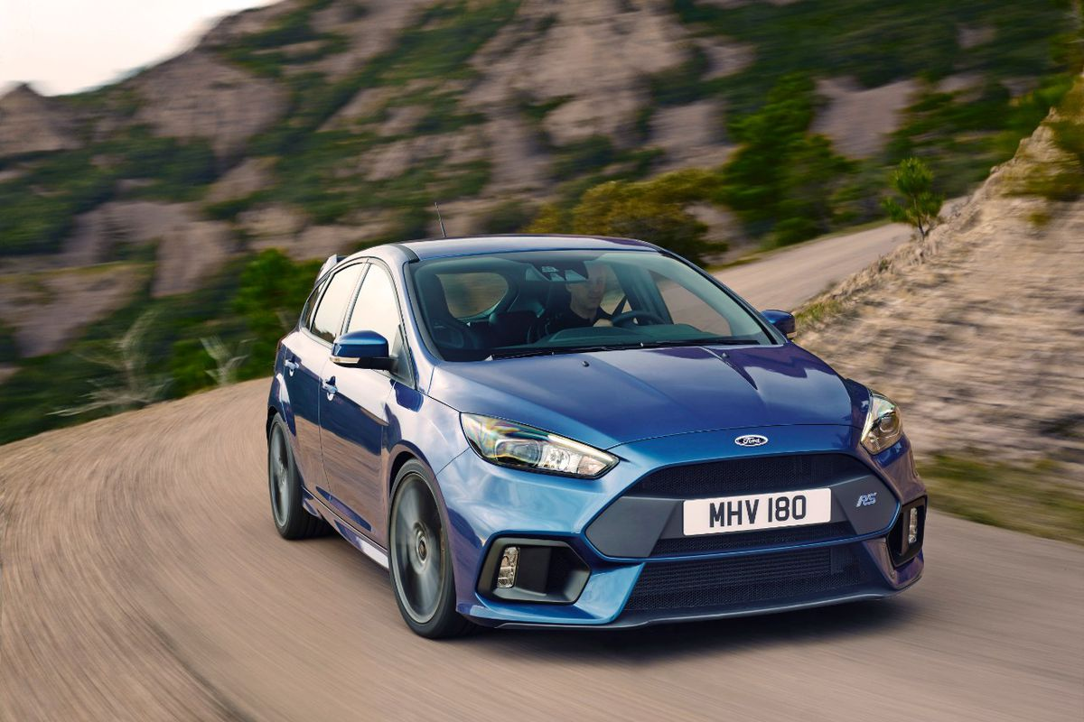 Ford S New Focus Rs Is Perfect For People Who Are Bad At Driving