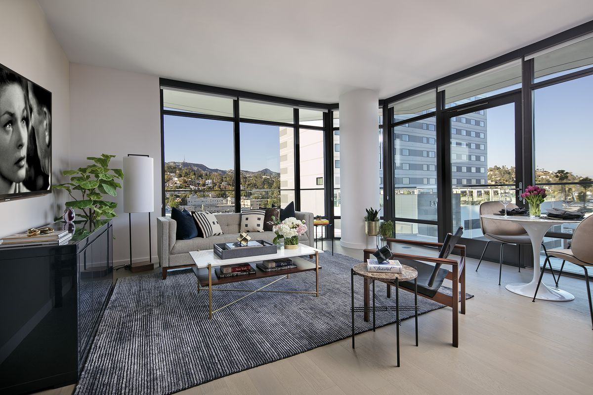 photos inside the hollywood two bedrooms renting for 6k a month