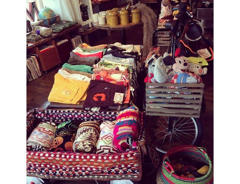 Momos-Gift-Shop-Marina-Del-Rey_2015_02.jpg