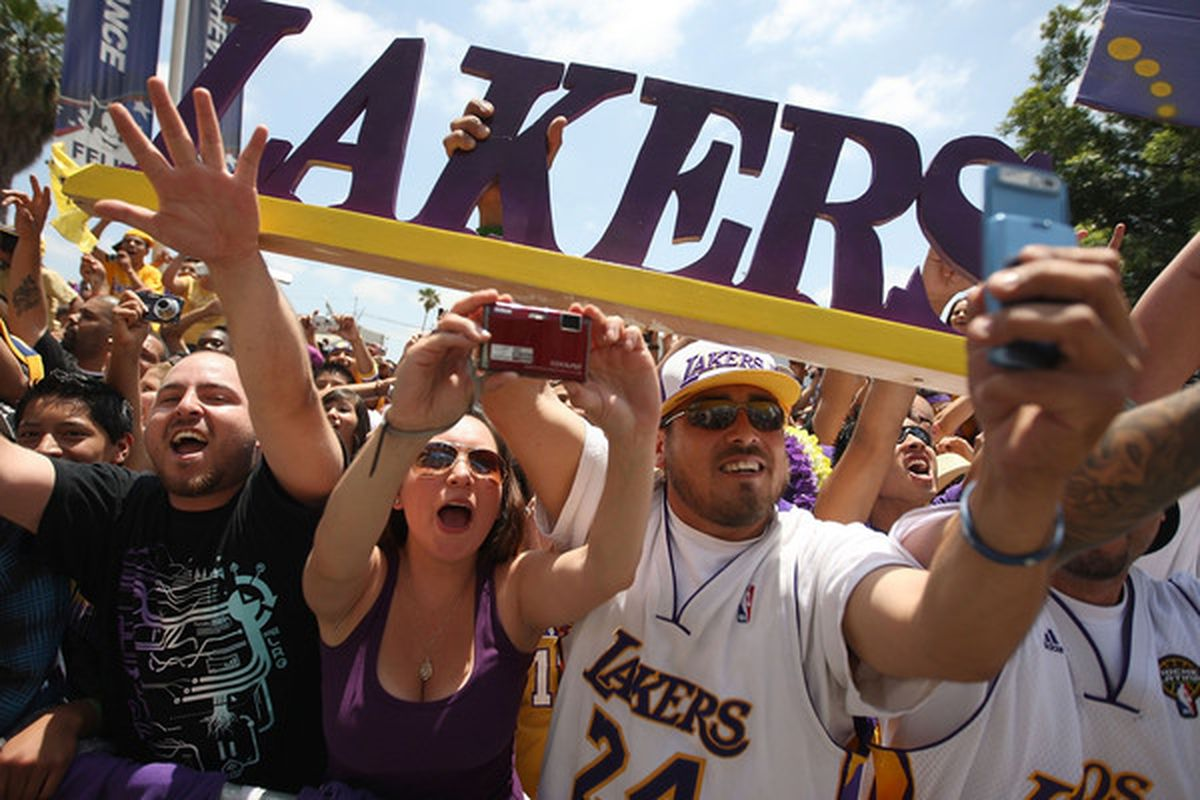 Why Los Angeles Lakers' Fair Weather Fans Have Helped Make ...