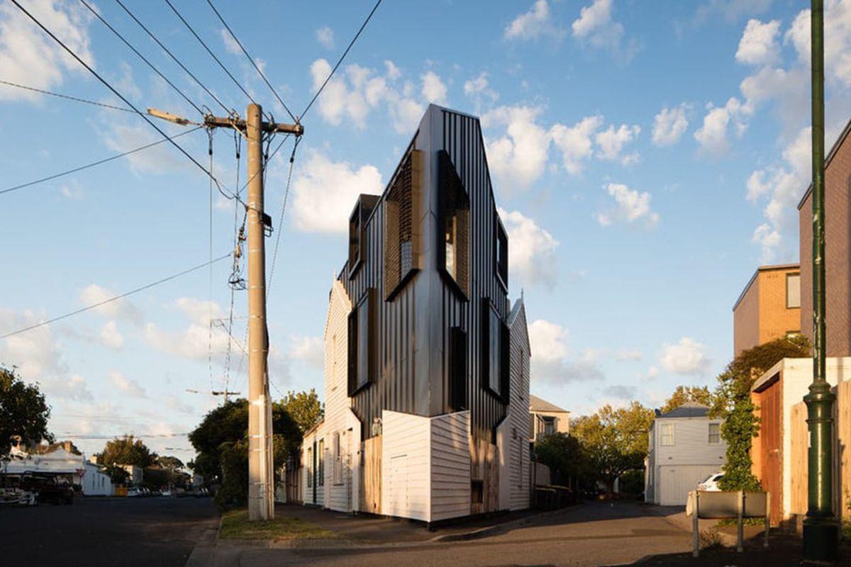 wedge-shaped house