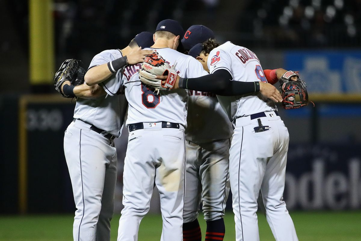 Indians defeat White Sox for record 15th straight win