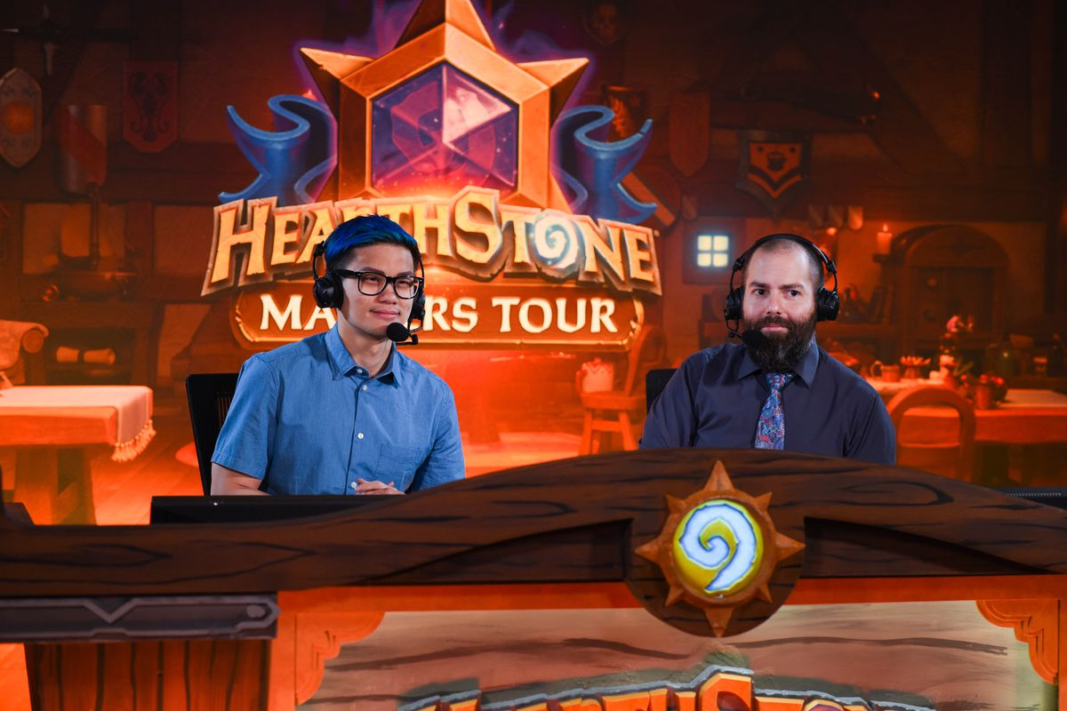 """Nathan """"Admirable"""" Zamora on the right behind the Hearthstone esports casting desk"""