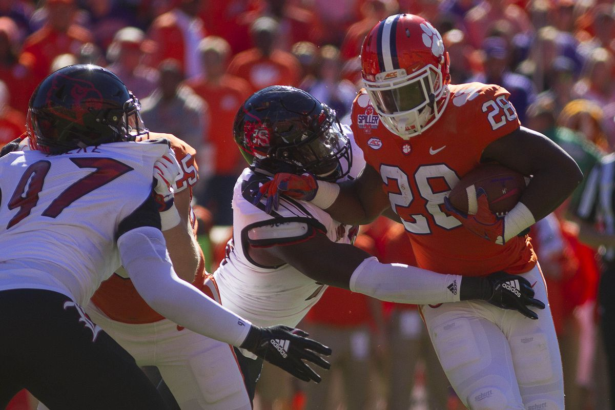 Clemson Throttles Louisville In 77 16 Demolition Card