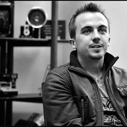 ADVANCE FOR USE SATURDAY, APRIL 14, 2012, AND THEREAFTER- In this April 6, 2012, photo, actor Frankie Muniz is interviewed with band members Tristan Martin, Jordan Davis, and Tim Warren, in York, Pa.  Since arriving in Harrisburg earlier this month, Muniz has been living and breathing the music of Kingsfoil, the York band in which he plays drums.