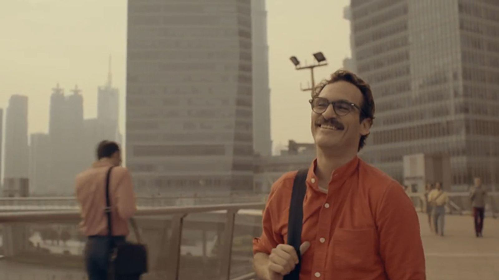 the trailer for spike jonzes new film her finds joaquin