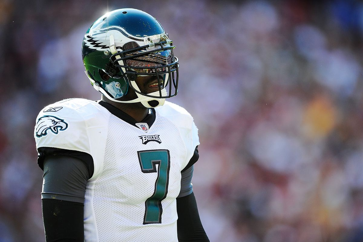 LANDOVER, MD - OCTOBER 16:  Michael Vick #7 of the Philadelphia Eagles walks off the field during a game against the Washington Redskins at FedExField on October 16, 2011 in Landover, Maryland.  (Photo by Patrick McDermott/Getty Images)