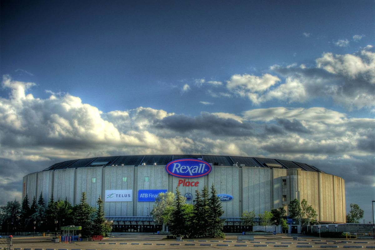 """Photo by:  WinterE229 WinterforceMedia  via <a href=""""http://upload.wikimedia.org/wikipedia/commons/5/50/Rexall_Place_Edmonton_Alberta_Canada_07A.jpg"""">Wikimedia Commons</a>, photograph is public domain."""