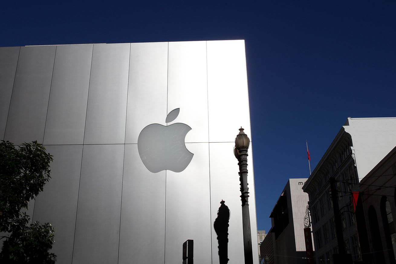 apple agrees to pay ireland 15 4 billion in back taxes to appease eu