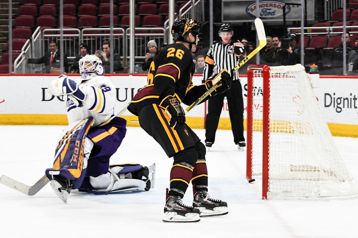 ASU Hockey  No. 15 Devils tie No. 3 Minnesota State in Desert Hockey Classic b6bb1989ec2
