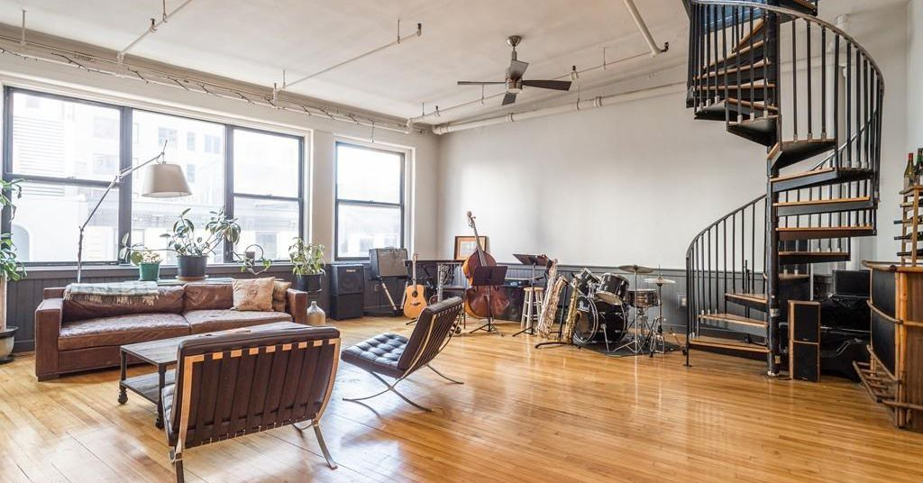 Financial District Loft With 14 Foot Ceilings Giant