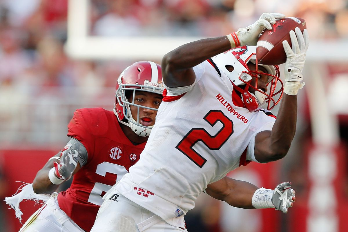 Taywan Taylor Got Scooped Up By The Tennessee Ans In Third Round Photo Kevin C Getty Images