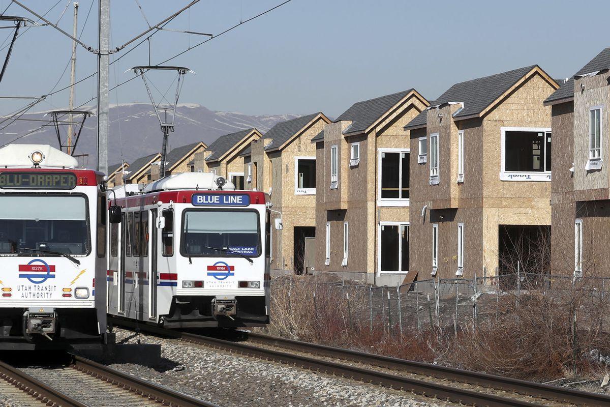 Major TRAX repairs on Main Street to slow light rail trips