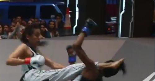 Video: Otro KO brutal con una patada a la cabeza en Karate Combat
