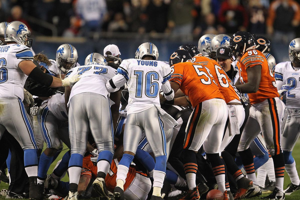 CHICAGO, IL - NOVEMBER 13: A melee breaks out between the Chicago Bears and the Detroit Lions at Soldier Field on November 13, 2011 in Chicago, Illinois. The Bears defeated the Lions 37-13. (Photo by Jonathan Daniel/Getty Images)