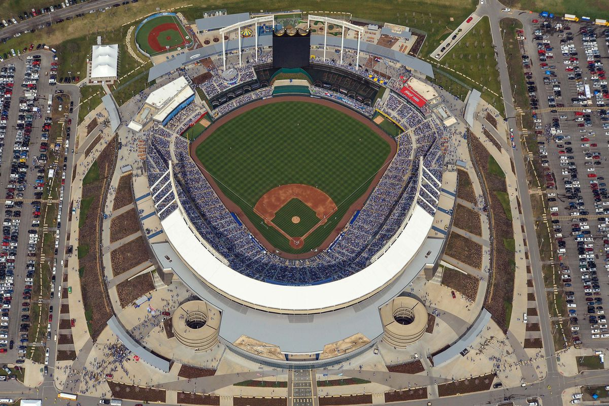 Kauffman Stadium turns 40 - Royals Review